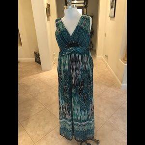 Dresses & Skirts - Green and Black Maxi Dress.  Size 10.